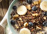 Quinoa Porridge mit Blaubeeren und Banane
